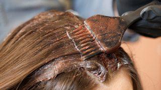 [現場報告]美容師は知っている!白髪染めで薄毛になる女性